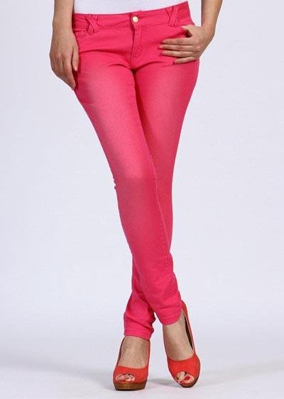 bayan-renkli-pantolon-modelleri-4