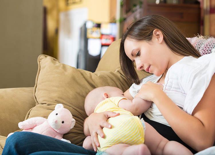 Hamilelikte Emzirmek Zararlı Mı?